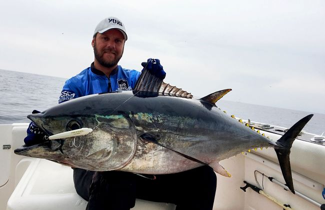 Omar Valles proving the effectiveness of Tuna Attack with this mighty bluefin